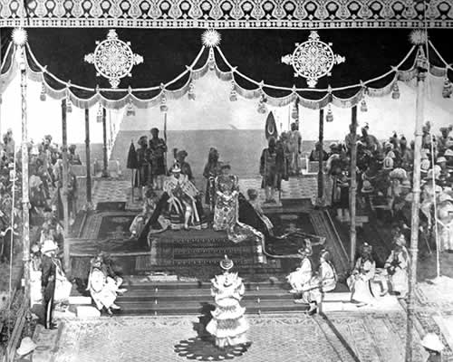 The King-Emperor receiving homage from the Ruling Prince of Burma