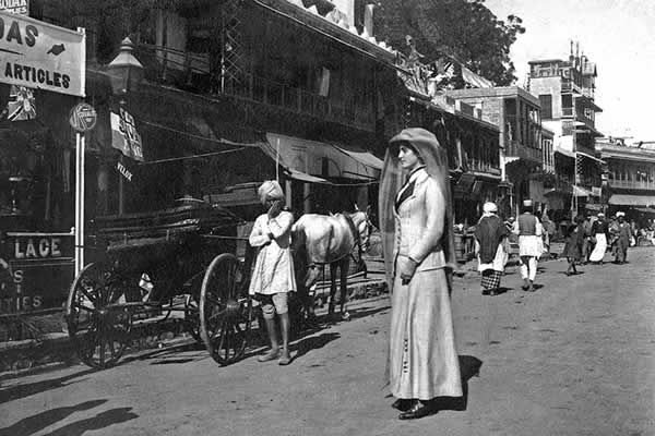 Lilah visiting the Chandni Chowk for the last time. In the distance she heard the sound of the 101 gun salute from the Ridge as the Royal couple departed.