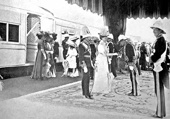 The King and Queen departing from Delhi after the Durbar celebrations