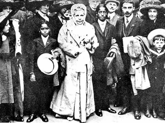 The theosophist Annie Besant joined Lilah on the ship with Krishnamurti (right), who she believed was the new Messiah. She caused a sensation at the station when she arrived in London.